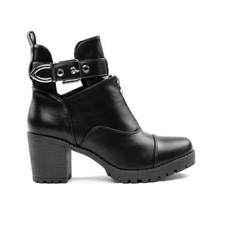 Cut Out Buckle Belt Boots, Zwart